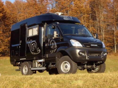 Iveco Daily 55S18 4x4 Off Road Black Edition